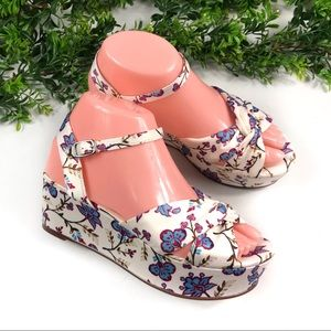 Caslon White Blue Floral Printed Wedge Sandals 6M